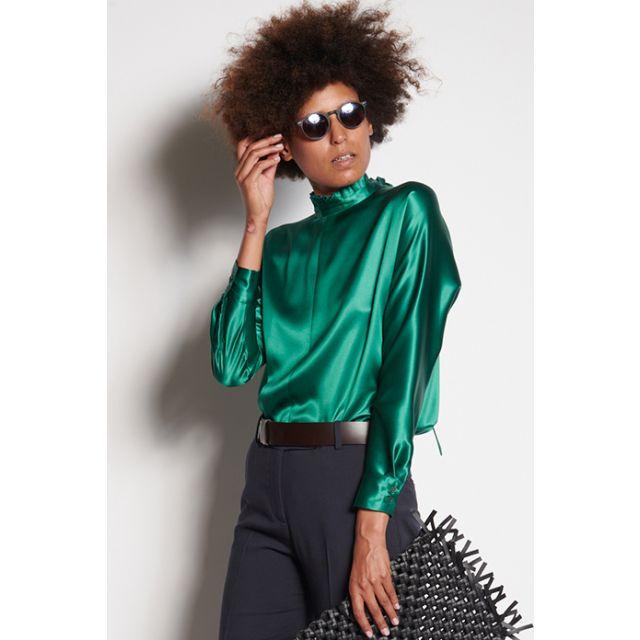 Camicia verde con collo a sbuffo maniche lunghe