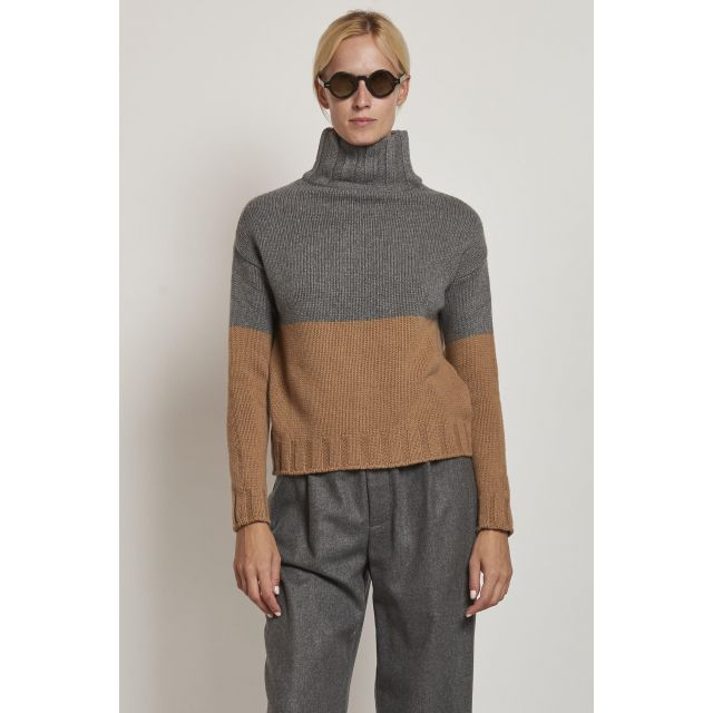 gray and beige turtleneck sweater