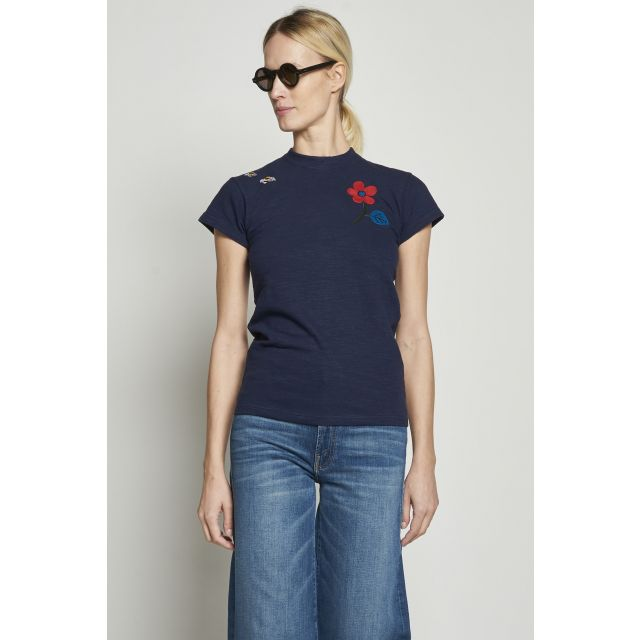Blue t-shirt with embroidered flower