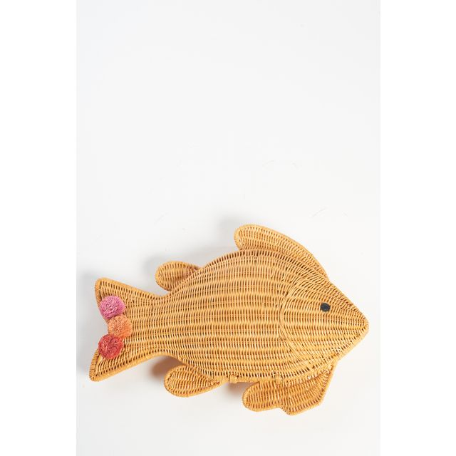 Straw fish clutch