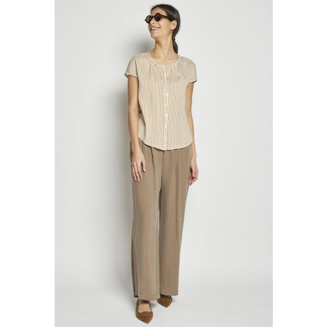 light fabric wide pants