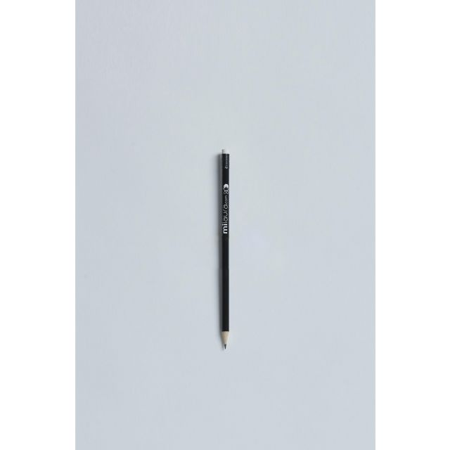 milaura black pencil