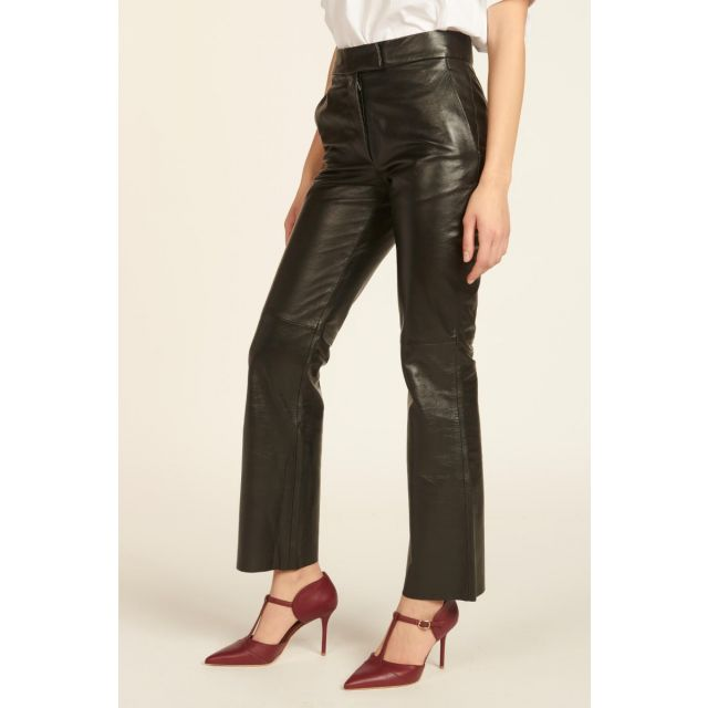straight trousers in black leather