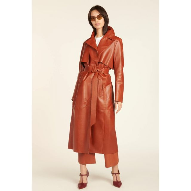 Trench arancione in pelle