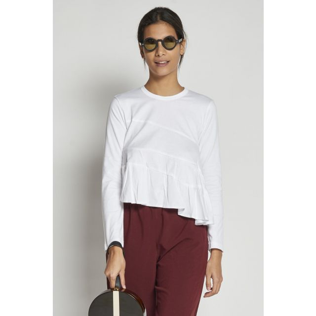 white t-shirt with long sleeves flared with cuts