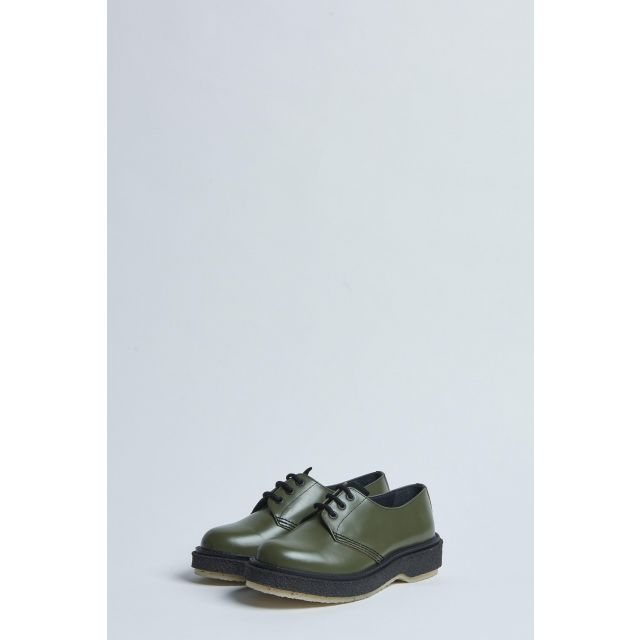 green lace-up low shoe