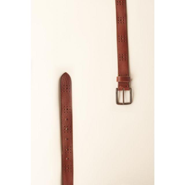 Cintura di pelle liscia con decorazioni geometriche