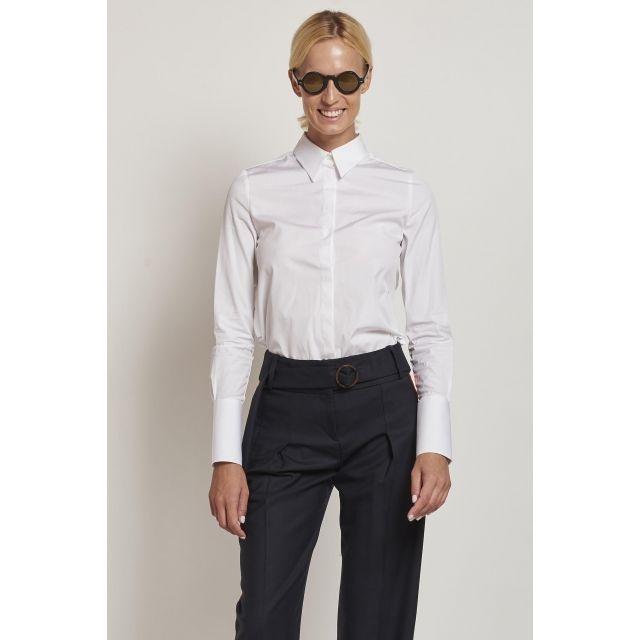 camicia bianca con rouches e plastron