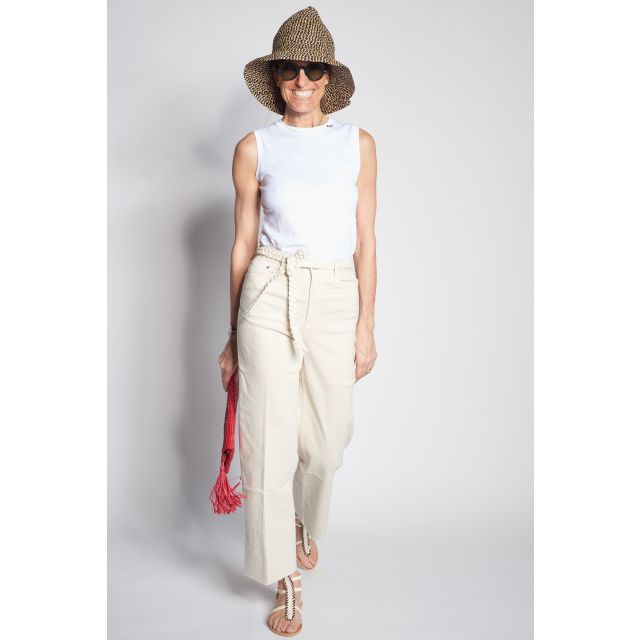White trousers with decorative belt