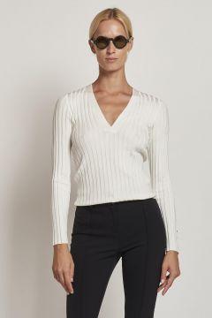 maglione bianco a coste scollo a V