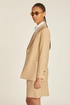 Menswear style beige jacket