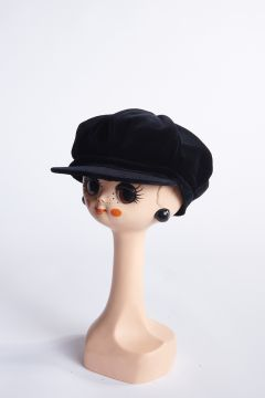 Black velvet flat cap