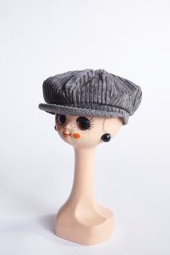 Gray ribbed velvet flat cap