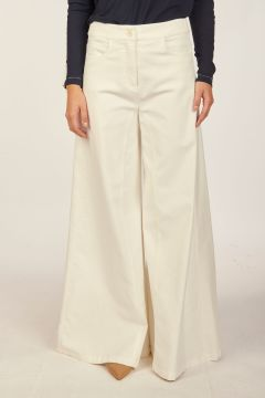 White wide trousers