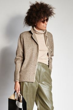 Checked shirt with contrasting edges