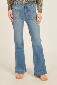Jeans with front pockets