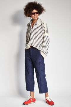 Blue trousers with corduroy pockets