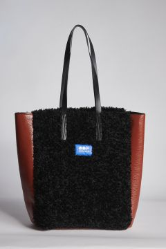 Brick and black bag in more fur patent leather
