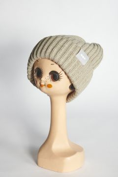 Beige ribbed hat