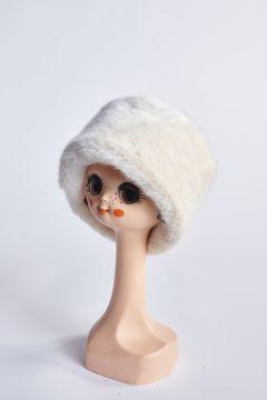 Tambourine hat in cream eco-fur