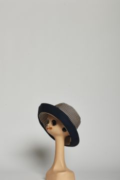 Round blue and beige striped hat with hem