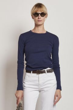 long-sleeved blue cotton t-shirt