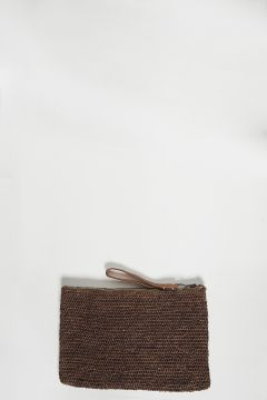 Brown raffia clutch bag with zip with leather strap
