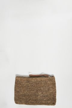 Dark tea raffia clutch bag with zip with leather strap