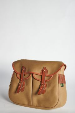 Beige shoulder bag with straps closure