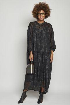 abito lungo nero over con fili metallizzati