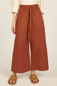Brick-colored oversized trousers