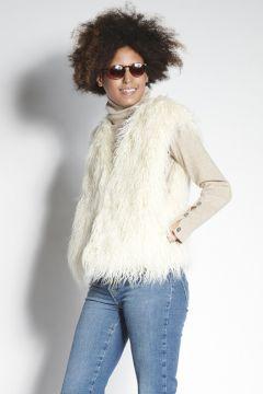 White vest in eco fur