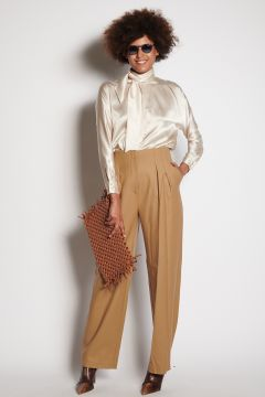 Camel trousers with pleats