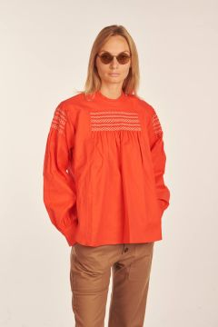 Bakupu red shirt