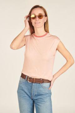 Top rosa con collo a righe