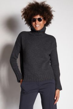 Gray turtleneck with ribbed cuffs