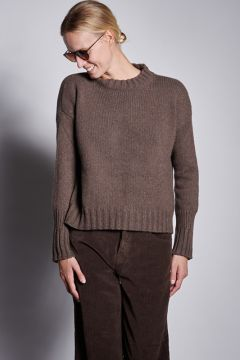 Coffee sweater with ribbed cuffs
