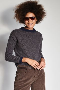 Crewneck sweater with contrasting collar and cuffs