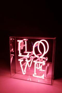 Neon light pink Love