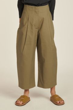 green cotton trousers with pleats