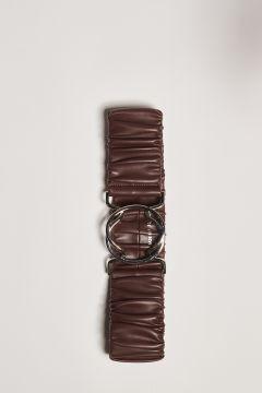 Cintura marrone con arriccio e fibbia ad incastro