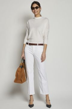 White tight trousers with trumpet