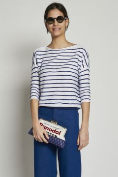 White t-shirt with blue stripes