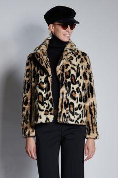 Short spotted fur