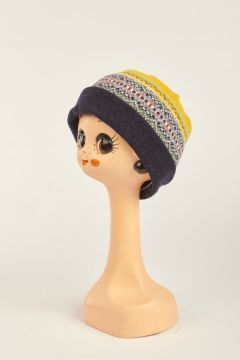Patterned yellow hat