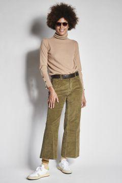 Pantaloni verdi a zampa in velluto liscio