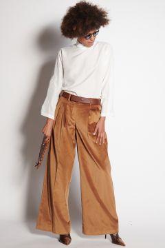 Camel velvet trousers with pleats