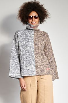 Two-tone wool sweater