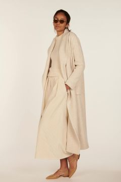 Barbed ivory coat by Dusan.
