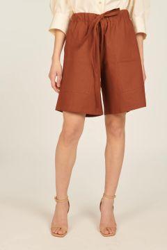 Brick-colored oversized shorts